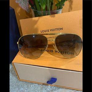Louis Vuitton Attitude Pilote Sunglasses